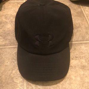 Under armour black adjustable hat for women